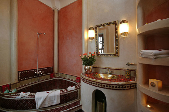 stunning salle de bain jacuzzi maroc pictures awesome interior home satellite. Black Bedroom Furniture Sets. Home Design Ideas
