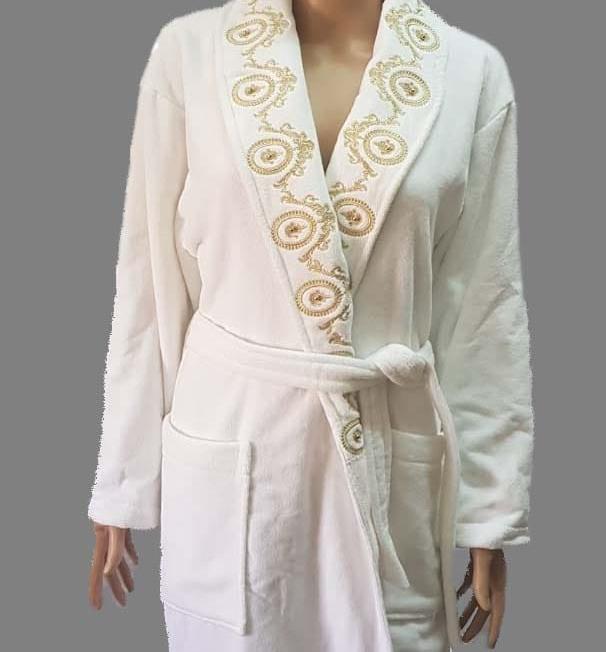 Peignoir plus 2 serviettes brodées avec perles